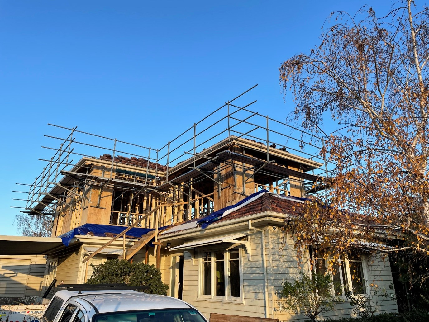 Second_storey_extension_weatherboards_Framing